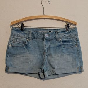 Celebrity Pink cuffed blue jean shorts